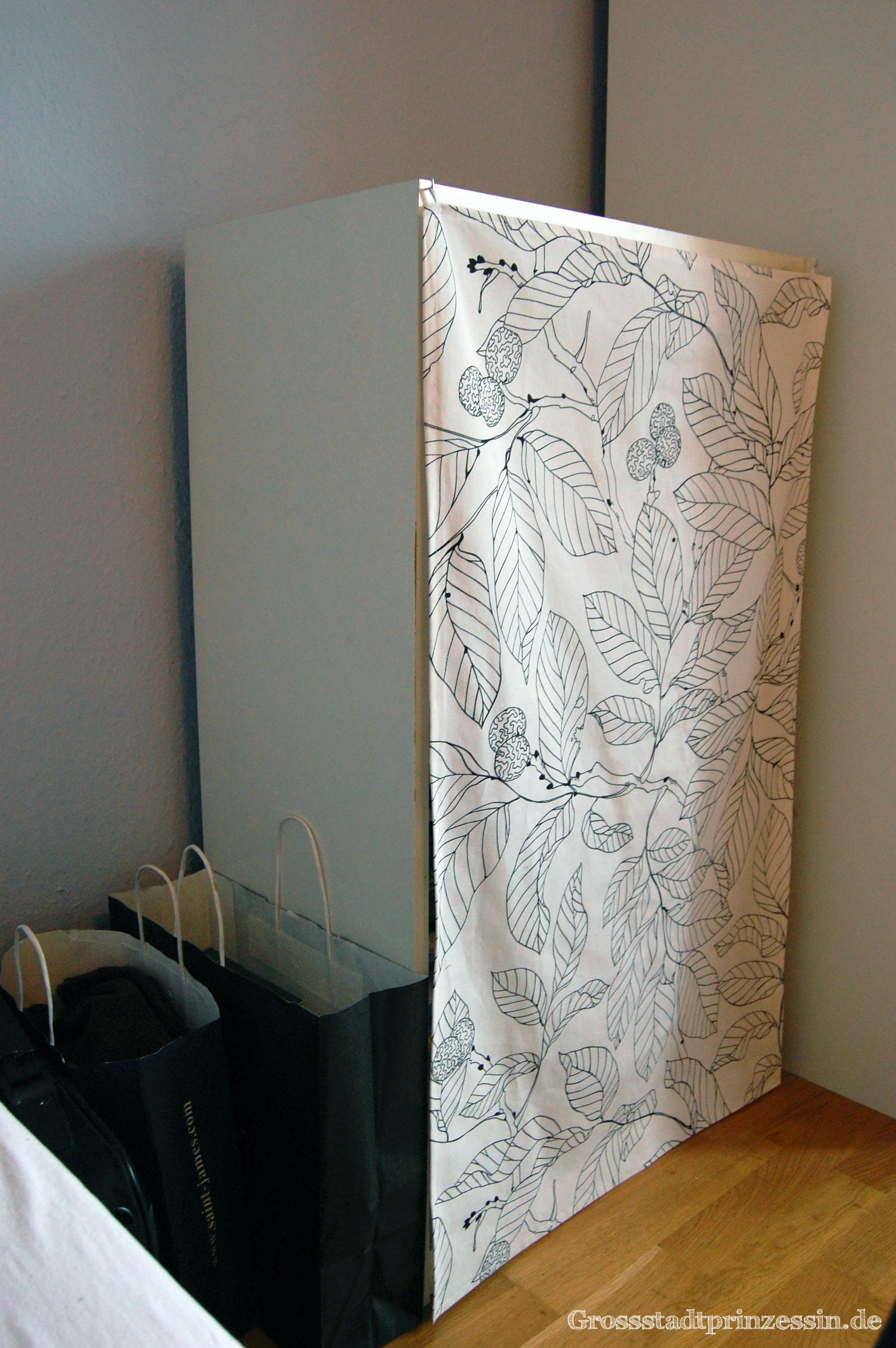 Gardinen deko vorhang k chenregal gardinen dekoration for Vorhang fa r regal