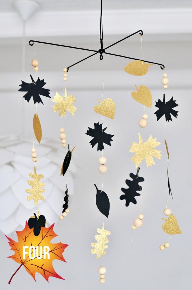 Herbst-Mobile in Schwarz und Gold